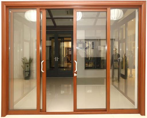 Mẫu cửa nhôm lùa vân gỗ Xingfa đẹp