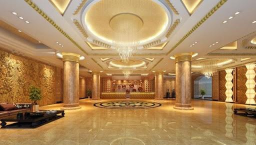 Mẫu trần thạch cao dát vàng sảnh khách sạn cổ điển tạo không gian mở