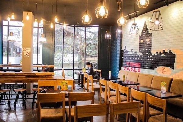 Đèn led âm trần Philips cho quán cafe đẹp