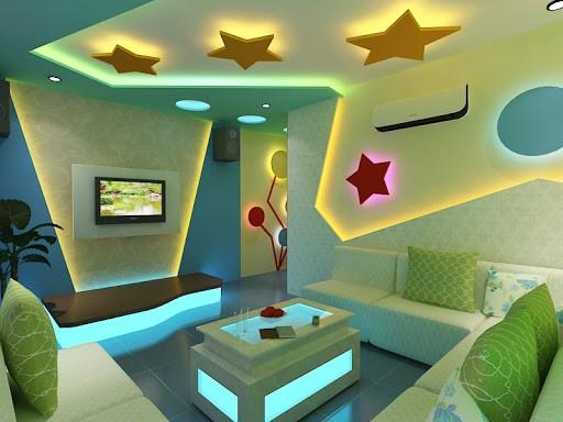Trần thạch cao phòng karaoke gia đình màu sắc ấn tượng