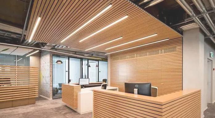 trần gỗ dạng lam cho văn phòng