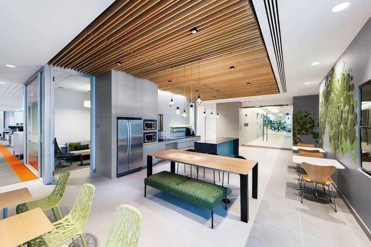 Mẫu trần nhôm giả gỗ văn phòng mang phong cách hiện đại