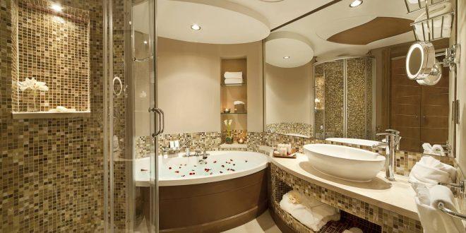 mẫu trần thạch cao nhà vệ sinh khách sạn thiết kế giật cấp sang trọng