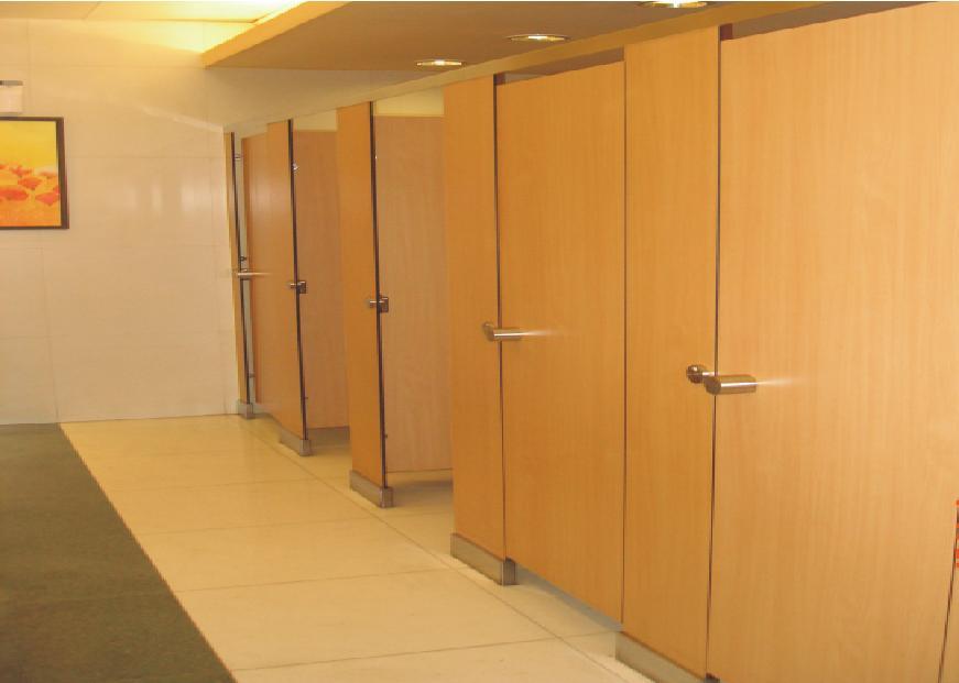 Mẫu vách ngăn nhà vệ sinh bằng gỗ MFC tạo sự sang trọng
