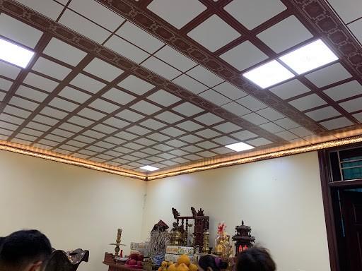 mẫu trần nhôm phòng thờ đẹp