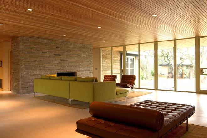 Mẫu trần nhôm phòng khách họa tiết vân gỗ