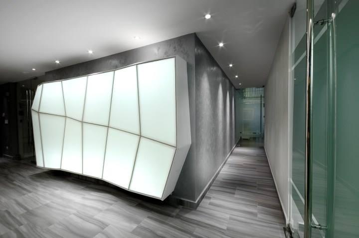 Mẫu trần thạch cao đẹp cho showroom