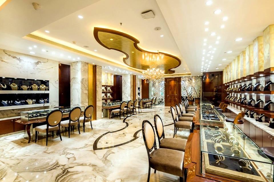 Mẫu trần thạch cao showroom bán bàng