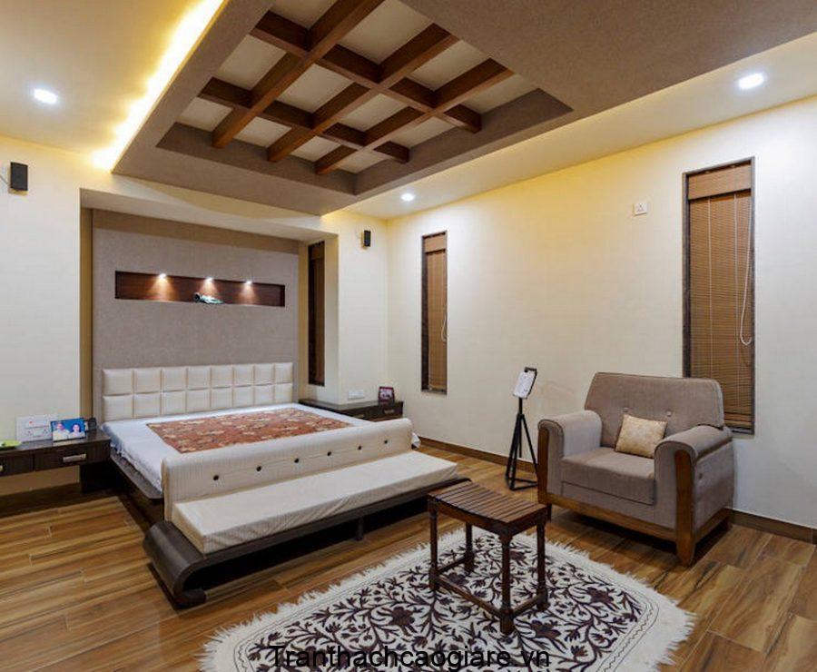 Mẫu trần thạch cao kết hợp gỗ dành cho phòng ngủ