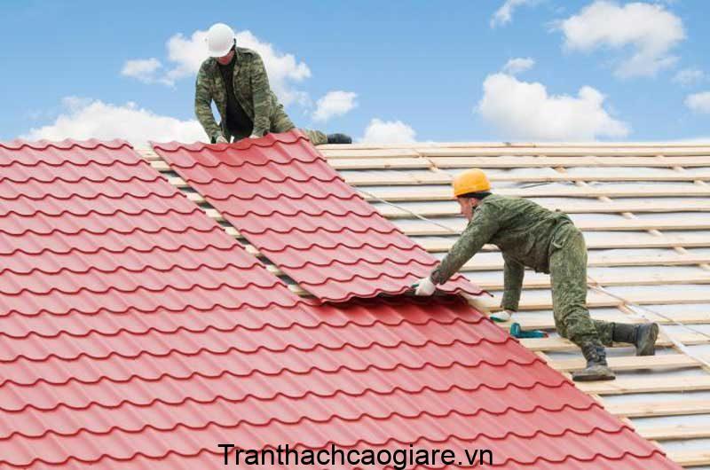 Sử dụng mái tôn có lớp sơn chống thấm chất lượng