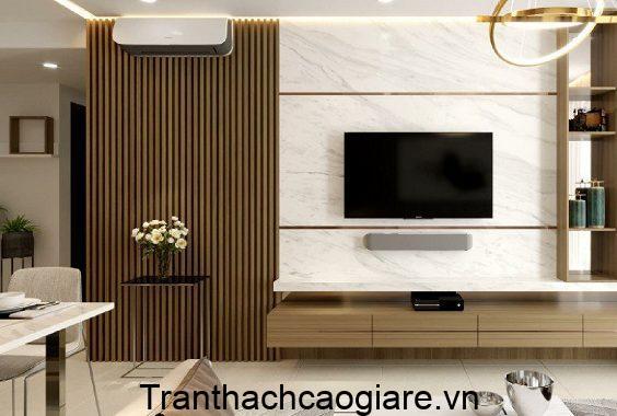 Mẫu trần nhà ốp tấm nhựa vân gỗ thẩm mỹ cao
