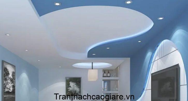 Mẫu trần thạch cao màu xanh ngọc dành cho phòng khách