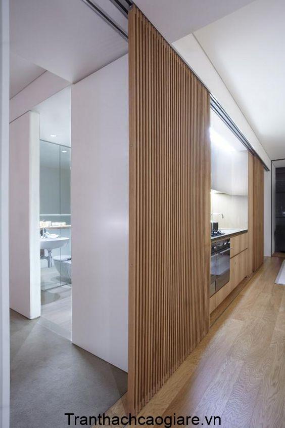 Mẫu sàn gỗ nhựa trang trí phòng khách và vách ngăn lam gỗ nhựa