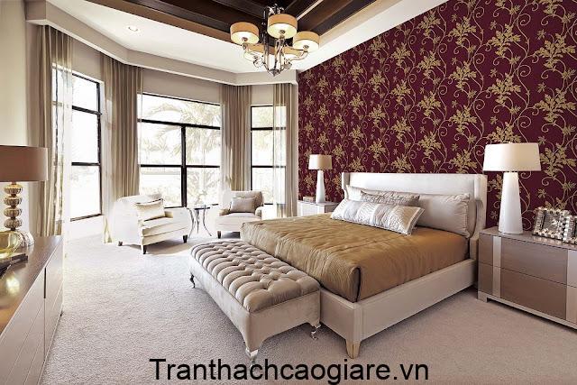 Giấy dán tường với hoa văn cổ điển sang trọng trang trí phòng ngủ